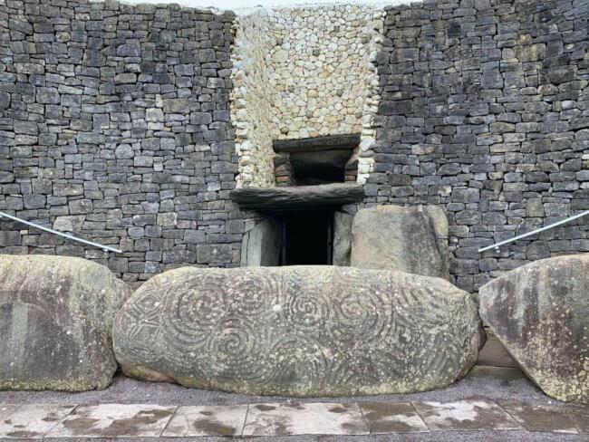Ingang van Newgrange