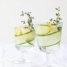 Water met komkommer, tijm en citroen