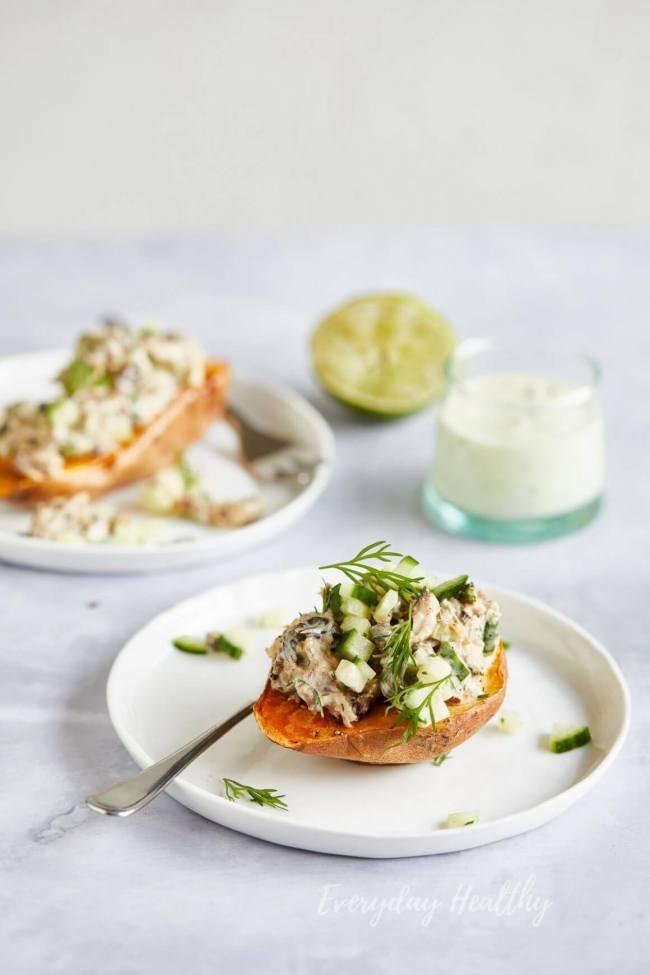 Heerlijke makreelsalade met gepofte zoete aardappel