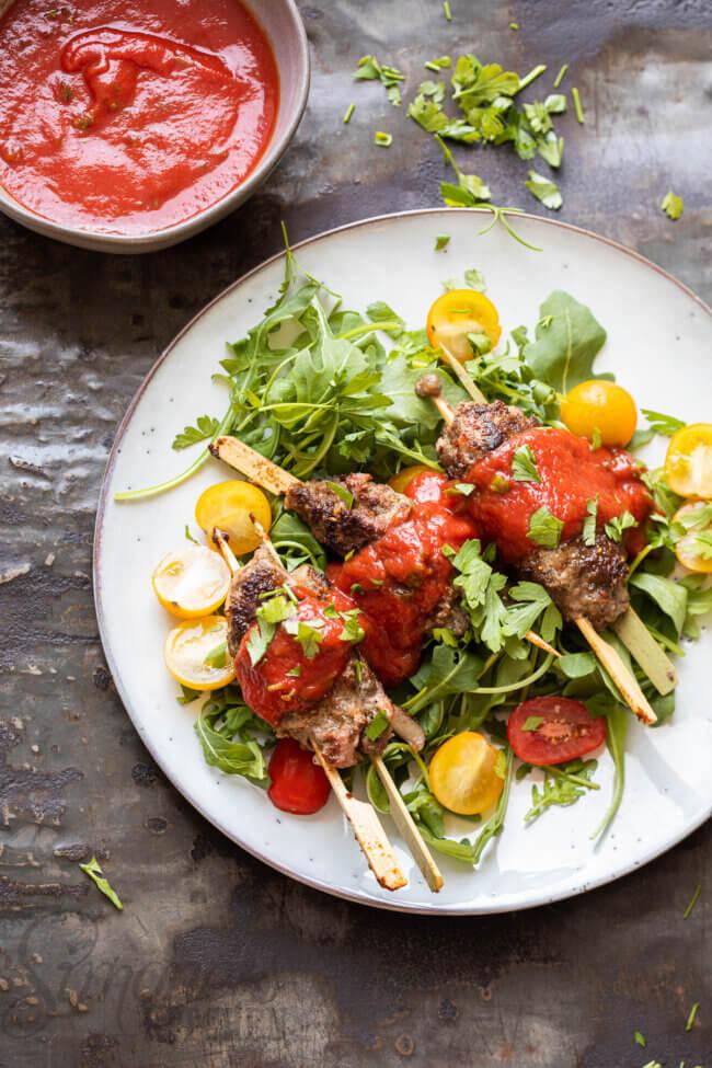 Cevapcici met pittige tomatensaus
