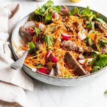 Salade met runderreepjes