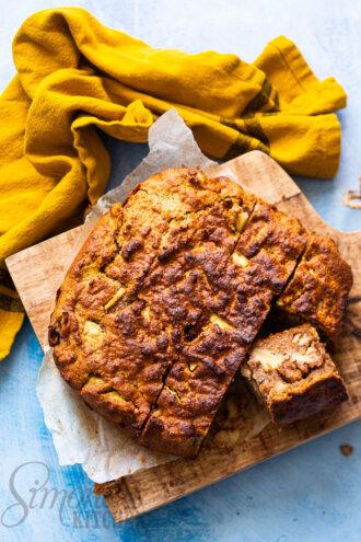 Appelcake met walnoot