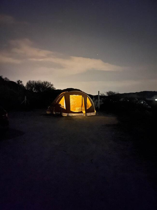 Kamperen by night