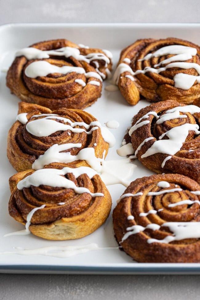 Cinnamon buns van croissantdeeg