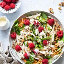 Salade met kip en frambozen