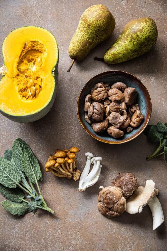 Ingredienten voor pompoensoep met peer