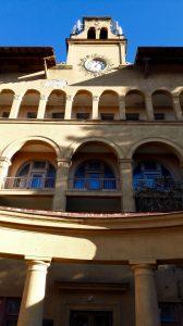 """Unser Sanatorium """"Moskau"""" erinnerte mich von außen ein bisschen an Draculas Schloss..."""