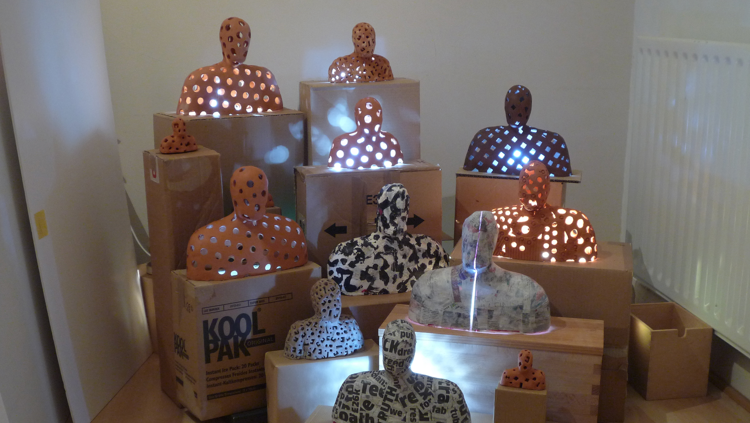 Enlightenment, a ceramic installation by Simon Fell