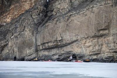 Voyage sur la rivière gelée