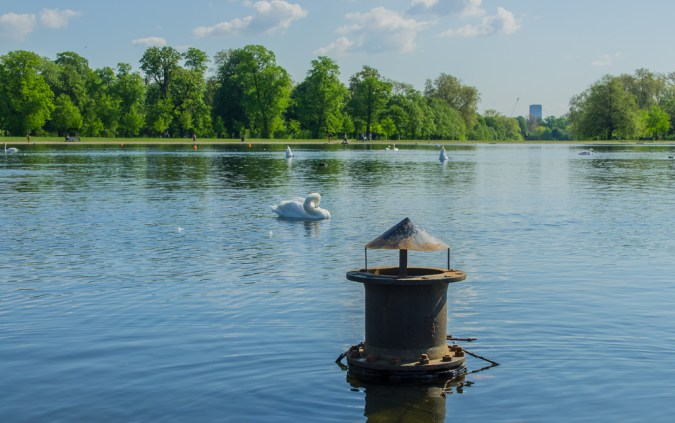 A picture of the Round Pond in Hyde Park