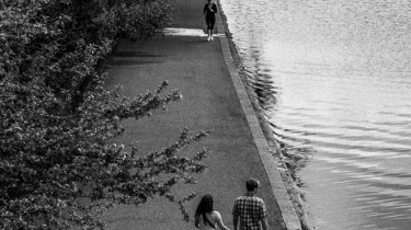 Couple by the Serpentine