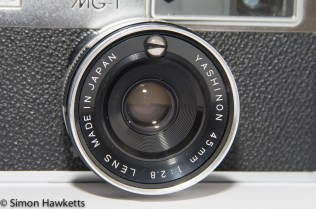 Yashica MG-1 - Exposure sensor in the top on the lens