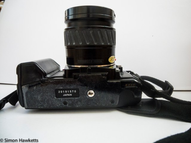 Minolta 7000 autofocus 35mm slr bottom view