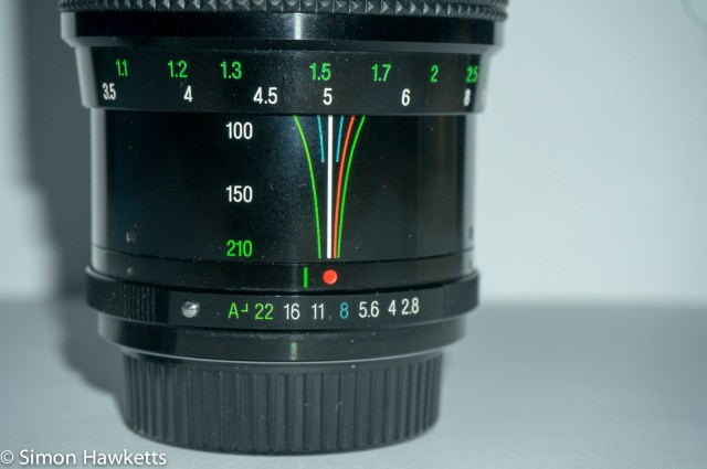 vivitar series 1 70-210 f2.8-4 aperture and depth of field scale