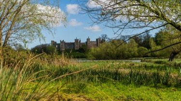 Pictures of Framlingham in Suffolk - Framlingham castle viewed from the nature reserve