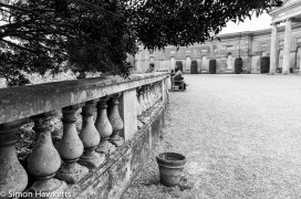 National Trust property Ickworth House pictures - Garden wall