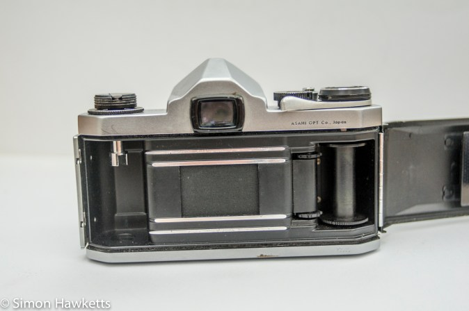 Pentax S1a 35mm showing film chamber