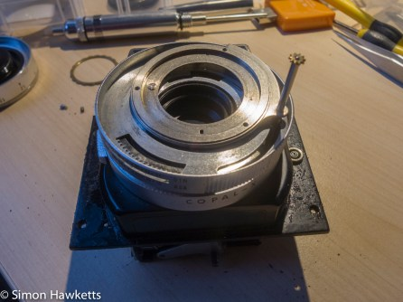 copal-X shutter attempted repair - removing the speed selector