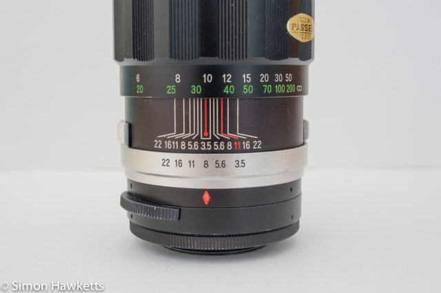 Soligor 200mm f/3.5 aperture and depth of field scale
