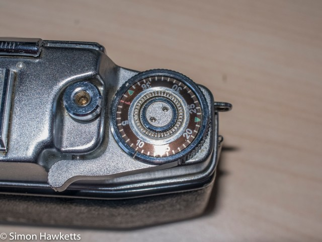 Agfa Ambi Silette 35mm rangefinder top cover removal - Remove the frame advance centre