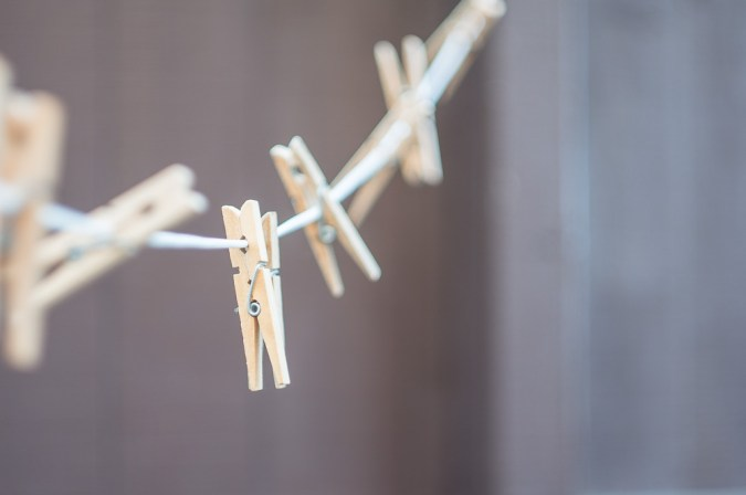 Helios 44M sample pictures - clothes pegs on a washing line