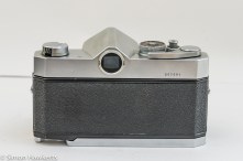 Konica Autoreflex T2 35mm slr back view with film door closed