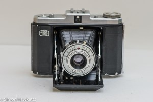 Zeiss Ikon Nettar 517/16 front view with lens open