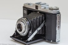 Zeiss Ikon Nettar II 517/16 side view showing door release