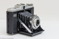 Zeiss Ikon Nettar II 517/16 side view showing shutter release