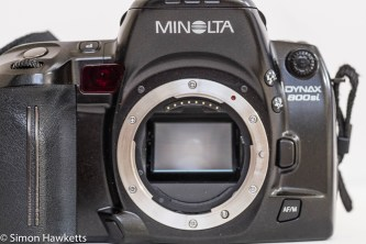 Minolta Dynax 800si autofocus 35mm camera - front view with lens off