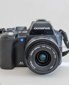 Olympus evolt E500 dslr - front view with 17.5 to 45mm lens