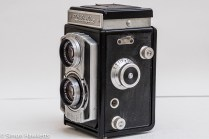 Weltaflex Twin Lens Reflex camera - film loading pegs and focus