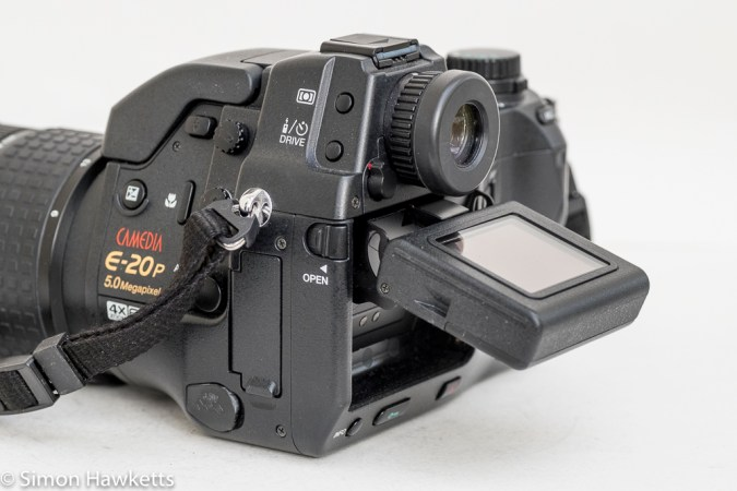 Olympus Camedia E-20p DSLR - articulated LCD