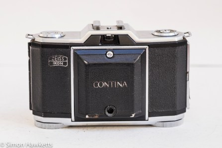 Zeiss Ikon Contina I 35mm viewfinder folding camera - front view with lens covered