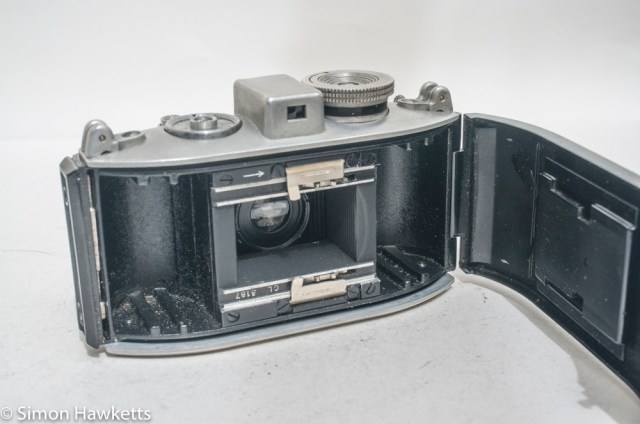 Agfa Karat viewfinder camera with strap lugs 7
