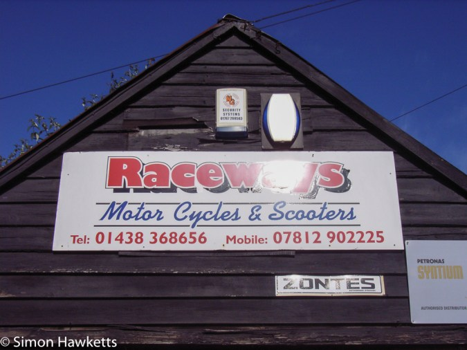 Ricoh R1v sample pictures - Raceways