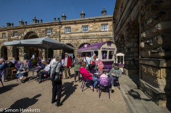 Chatsworth house pictures - people in the courtyard