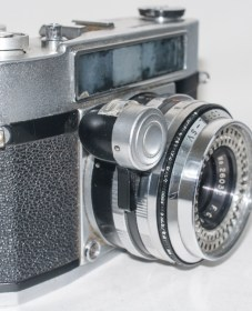Beauty Beaumat 35mm rangefinder - side view showing light meter