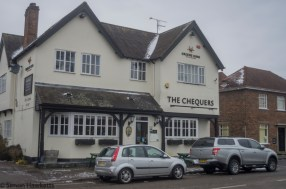 Pentax 28 to 90mm zoom - The chequers pub