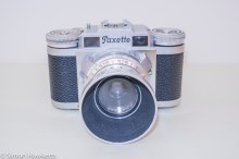 Braun Paxette viewfinder camera - Front of camera