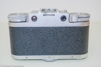 Braun Paxette viewfinder camera - Rear view showing viewfinder and extinction meter