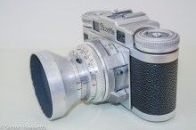 Braun Paxette viewfinder camera - Side view showing flash sync socket