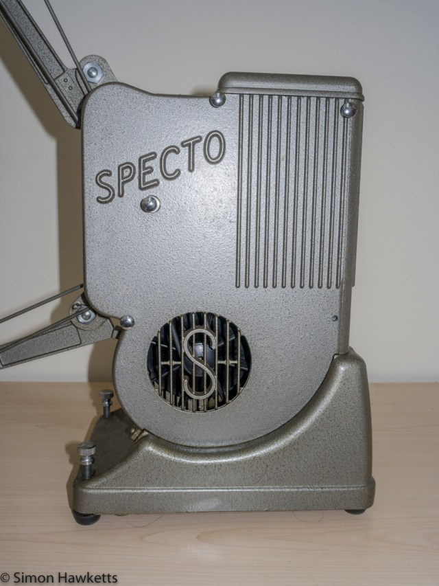 Specto 500 8mm cine projector - Side view of the projector