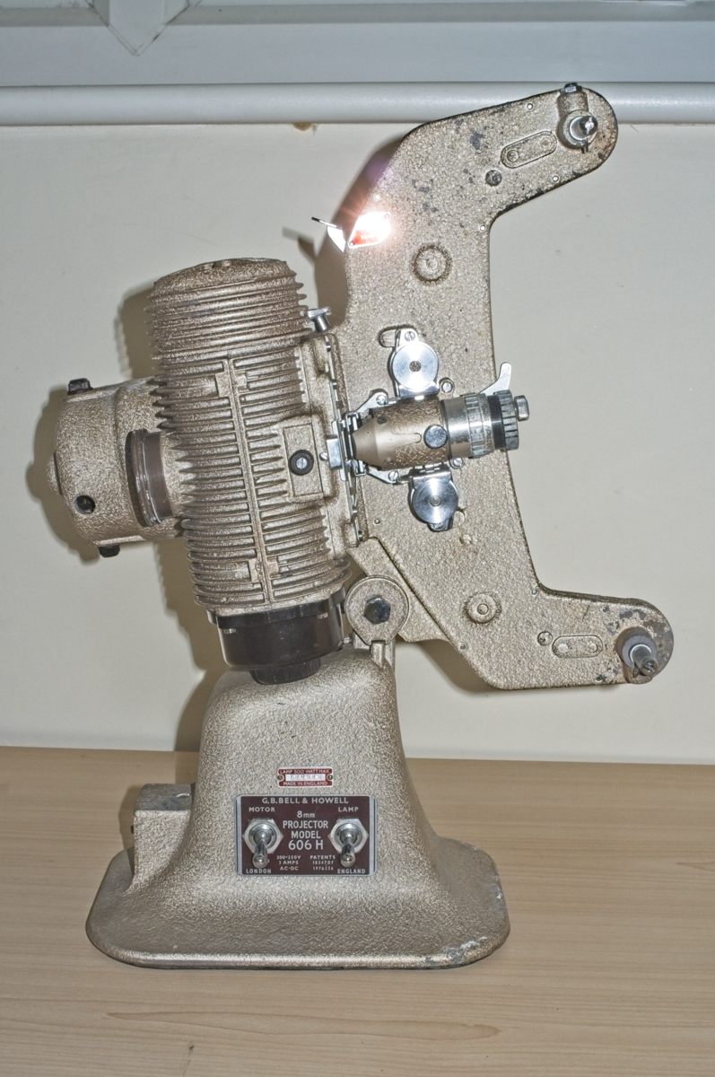 Bell & Howell 606 H vintage 8mm projector