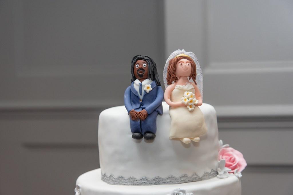 Elegant wedding cake 5