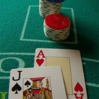 On the picture are two playing cards from the 52 cards standard deck, an ace of hearts, and a spade jack. To the right of the picture you can read about how professional gamblers count cards. Card counting is one of the advantage gambling methods on this list. The picture also acts as a link, by clicking on it you will be taken to a webpage with a tutorial, (video tutorial included) that will teaches you card counting, card counting strategy and techniques.