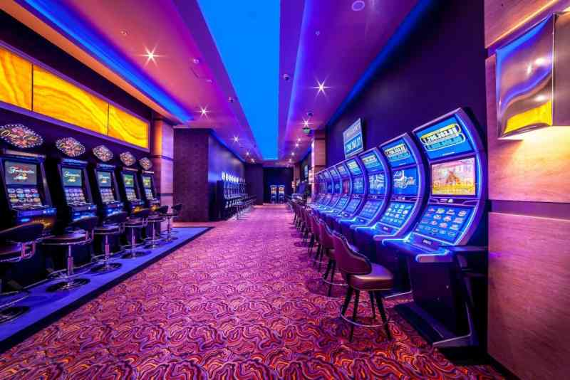 This is a picture of the inside of Onyx Casino in Nyíregyháza, Hungary. It shows a row of slots and the interior decoration. On this page, under the picture you can read about Hungarian casino gambling, and you can find a list of Hungary casinos.