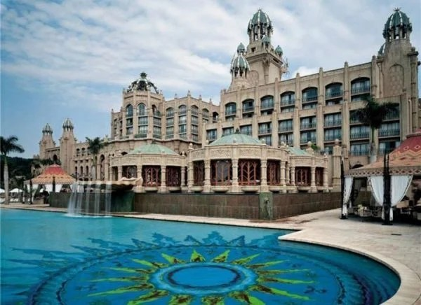 Building and pool of the Lesotho Sun Hotel & Casino