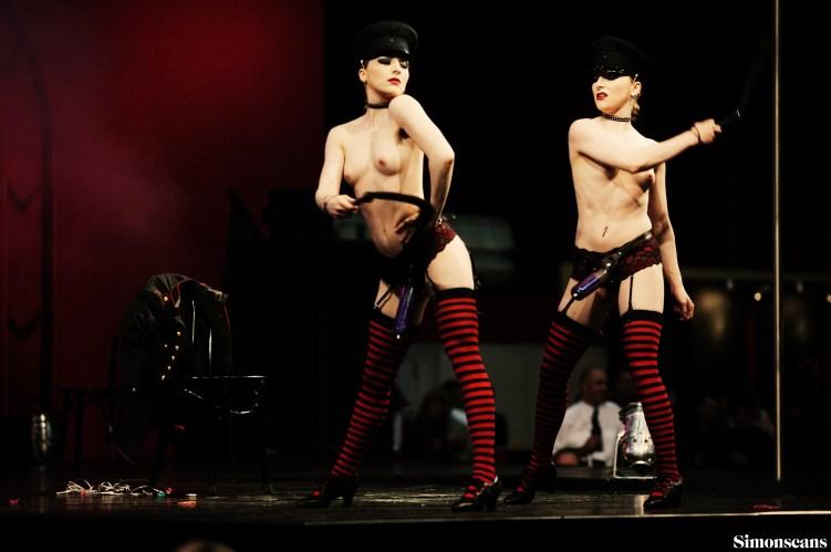 Erotica_2004_046