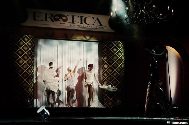 Erotica_2004_058